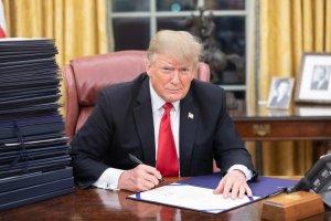 """Trump cria """"escritório do ex-presidente"""" na Flórida"""