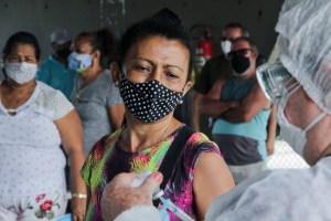 Manaus vacina pessoas de 55 a 59 anos com doenças preexistentes contra a Covid-19 neste sábado