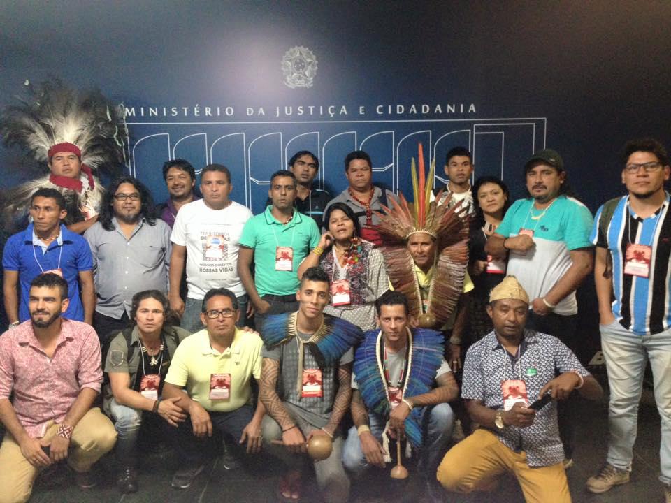 Conselheiros indígenas do CNPI em protesto nas redes sociais (Foto:Reprodução/Facebook/Daiara Tukano)