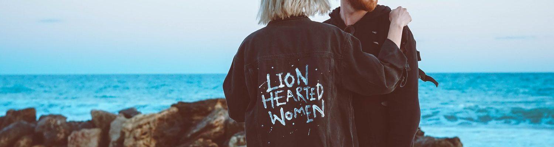 Dovoljno smo odrasli da priznamo da možemo voleti više osoba istovremeno. – rekao je on ,Zašto odbijanje ne dodiruje snažne žene?