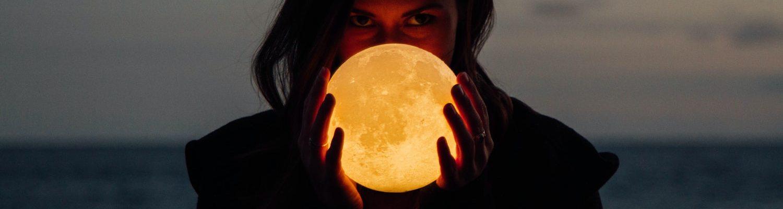 Najveće vrline i mane: Bik najstrpljiviji – tvrdoglav k'o mazga, Lav najvelikodušniji – tašt do neba!, Puni cvjetni Mjesec u Škorpionu 7.5. – Evo kako će utjecati na horoskopske znakove!, Mjesec u Lavu: Tempirana bomba koja se više ne zaustavlja