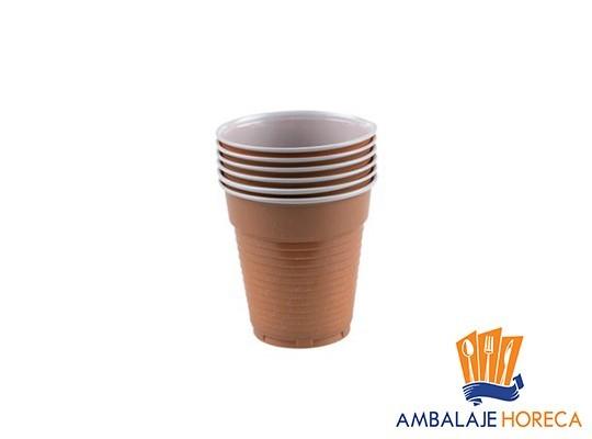 Pahare din plastic maro pentru cafea