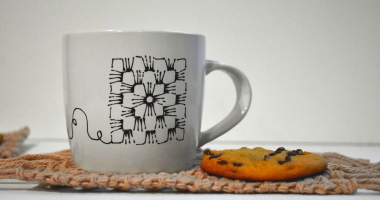 Salted Caramel Mug Rug – Free Crochet Pattern