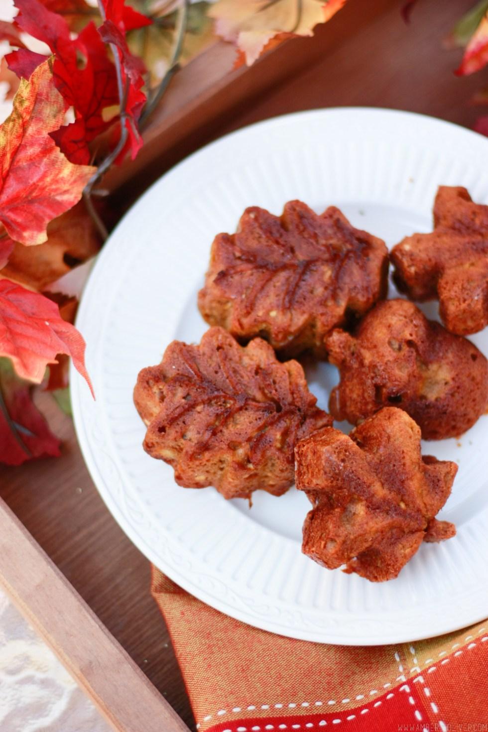 Pumpkin Muffins - Easy Healthy Pumpkin Bread (The best pumpkin bread recipe!)