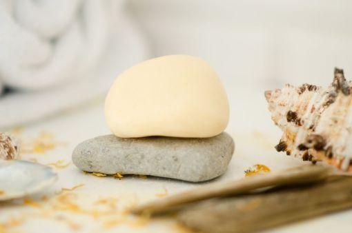 Mydło z bursztynem i masłem shea amber white