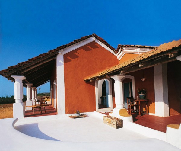 Amberlair Crowdsourced Crowdfunded Boutique Hotel - Elsewhere - Sneak a peek at celebrities in Goa