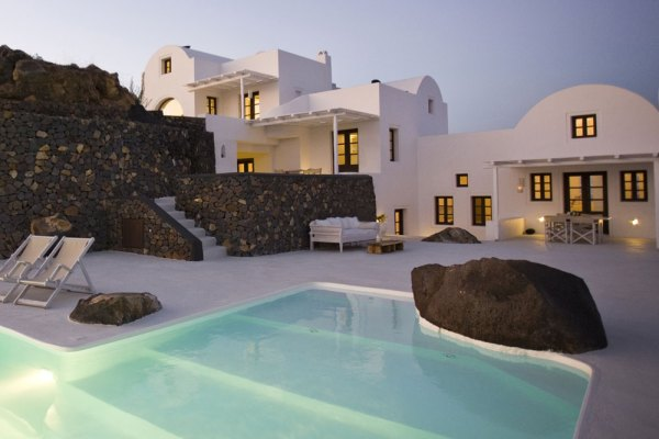 Amberlair Crowdsourced Crowdfunded Boutique Hotel - Meet Kristin, the co-founder of Amberlair at Aenaon Villas in Greece #boholover