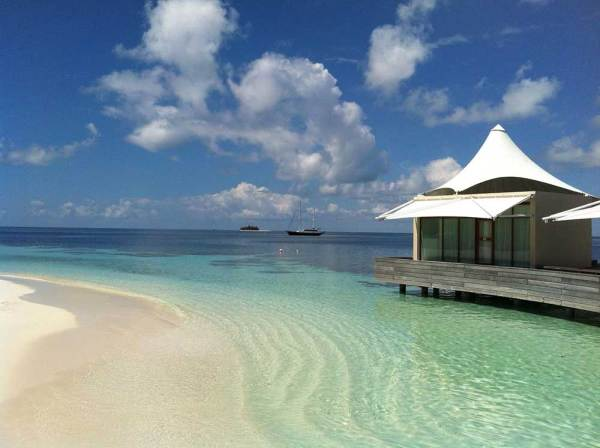 Amberlair Crowdsourced Crowdfunded Boutique Hotel - Meet Rosie Leach at W Hotel in the Maldives #boholover