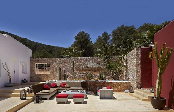 Amberlair Crowdsourced Crowdfunded Boutique Hotel - Pure House Ibiza gypsetters