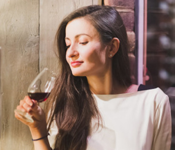 Amberlair Crowdsourced Crowdfunded Boutique Hotel #BoHoLover: Meet Diana Isac of Winerist @thewinerist