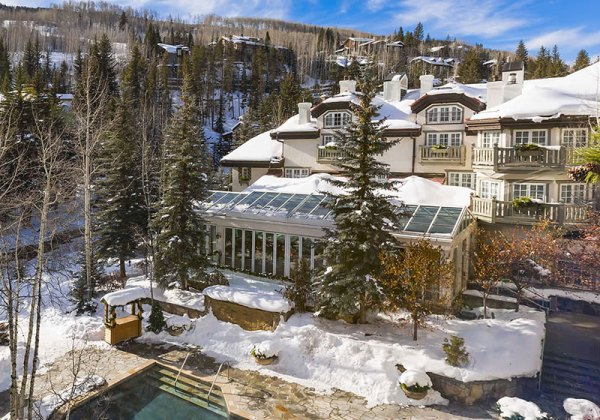 Amberlair Crowdsourced Crowdfunded Boutique Hotel - Sonnenalp in Vail #BoHoLover: Meet Damon Banks of Luxe Getaways @DamonMBanks