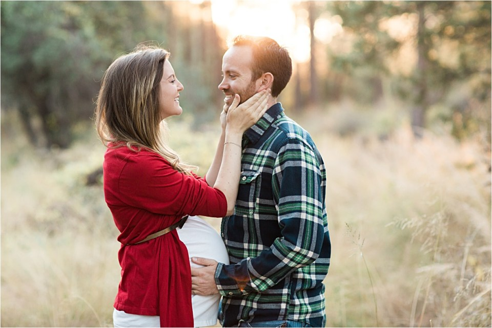 maternity_mount-lemmon_holding-hands_plaid-shirt_red-sweater_08