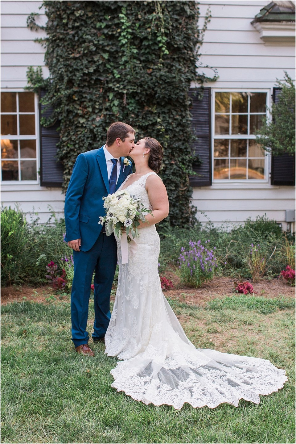 North Carolina wedding at Morehead Inn with Amber Lea Photography.