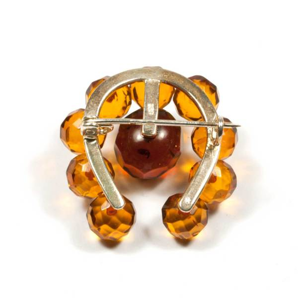 natural-amber-brooch-lucky-faceted-backside