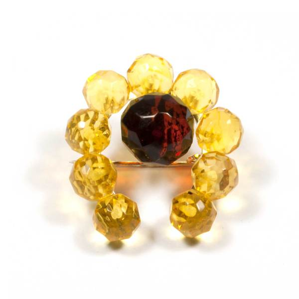 natural-amber-brooch-lucky-faceted-yellow-cherry