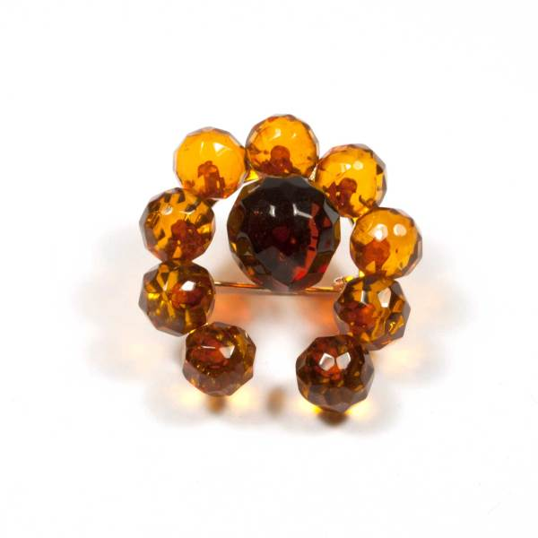 natural-amber-brooch-lucky-faceted