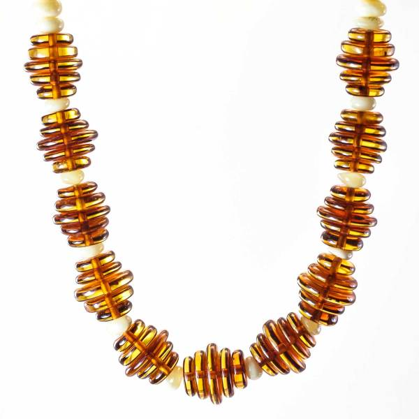 natural-baltic-amber-necklace-honey-composition-3