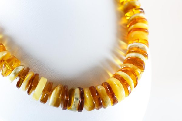 natural-baltic-amber-necklace-irisII-1