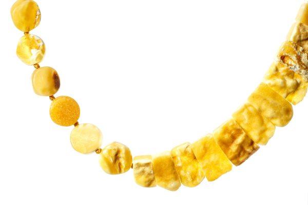 natural-baltic-amber-necklace-silvia-yellow-close-3