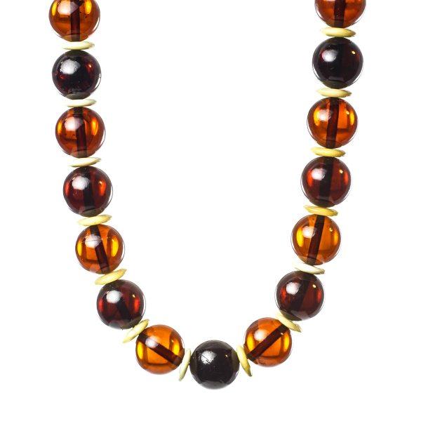 natural-baltic-amber-necklace-visavi-closeview