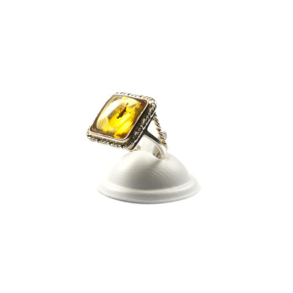 silver-ring-with-amber-perfecto