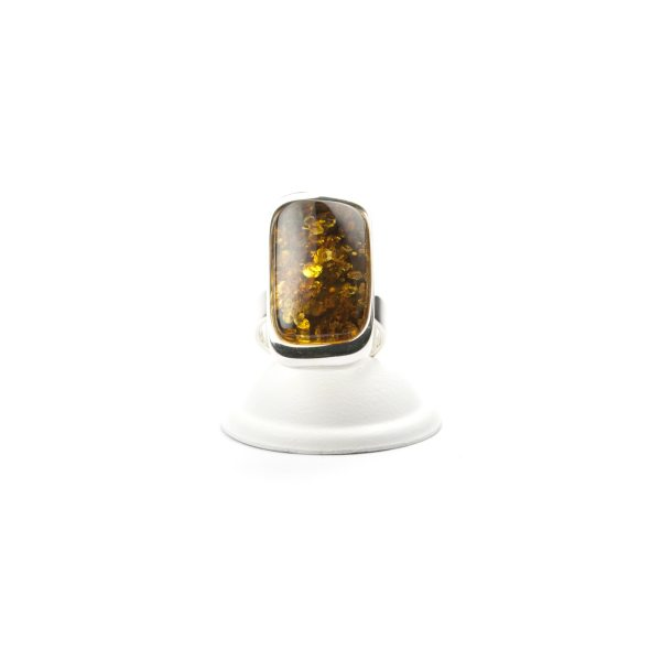 silver-ring-with-natural-baltic-amber-piece-frontview