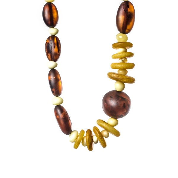 natural-unpolished-baltic-amber-necklace-azure-close-view-1