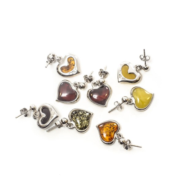 silver-earrings-with-natural-baltic-amber-flawless