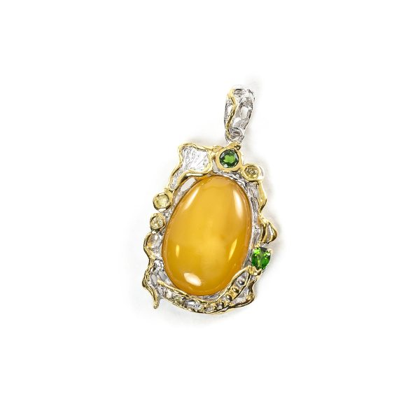 silver-pendant-with-natural-baltic-amber-emerald