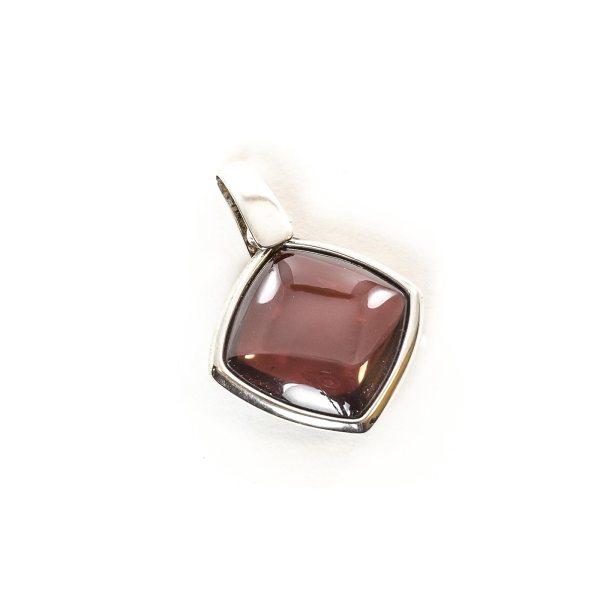 silver-pendant-with-natural-baltic-amber-london
