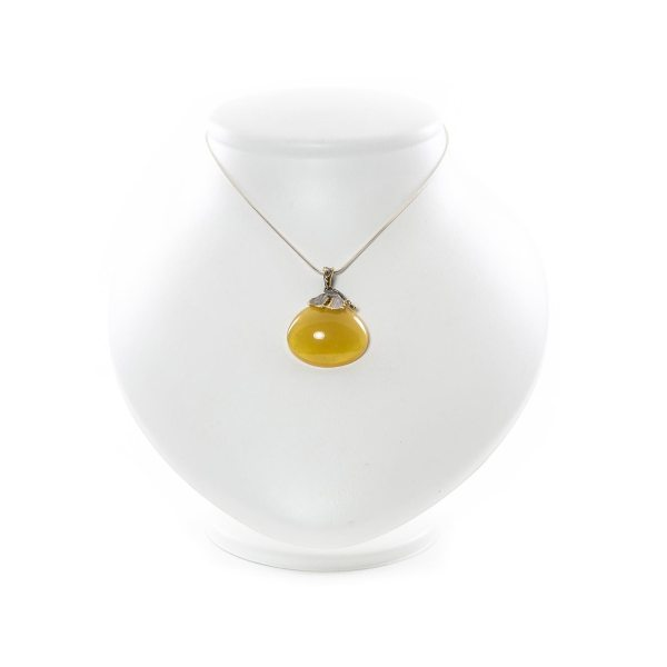 silver-pendant-with-natural-baltic-amber-fashion-main