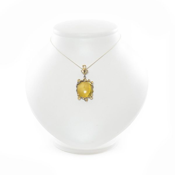 silver-pendant-with-natural-baltic-amber-manis