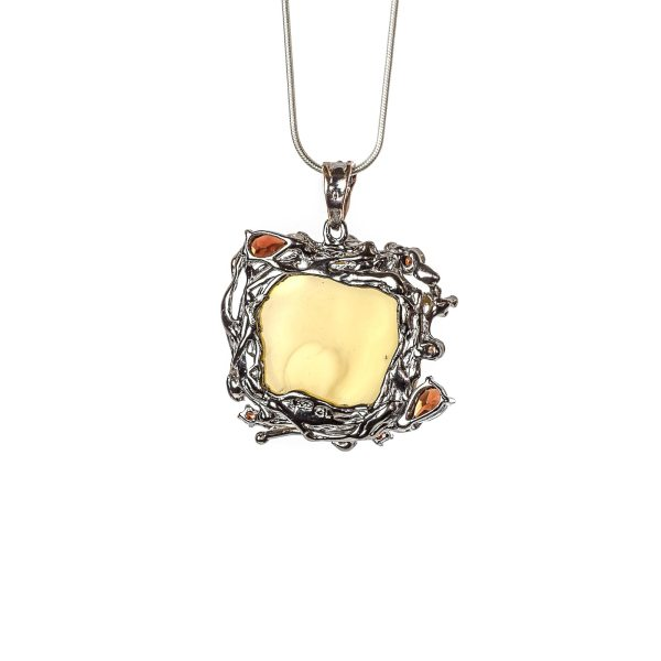 silver-pendant-with-natural-baltic-amber-raspberry-back