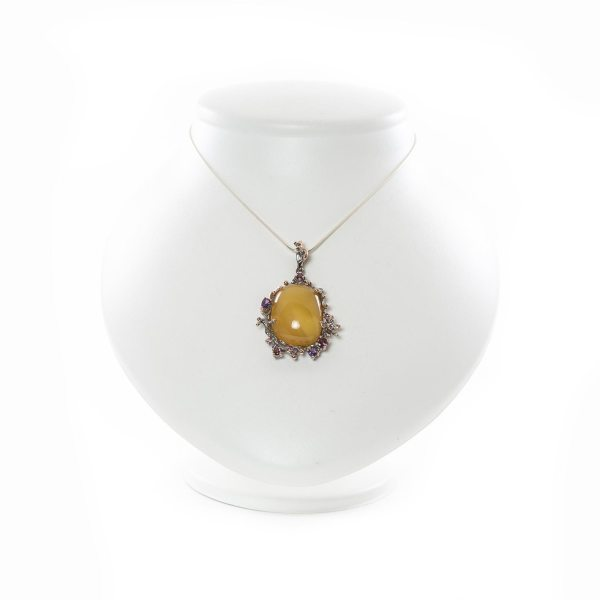 silver-pendant-with-natural-baltic-amber-tender