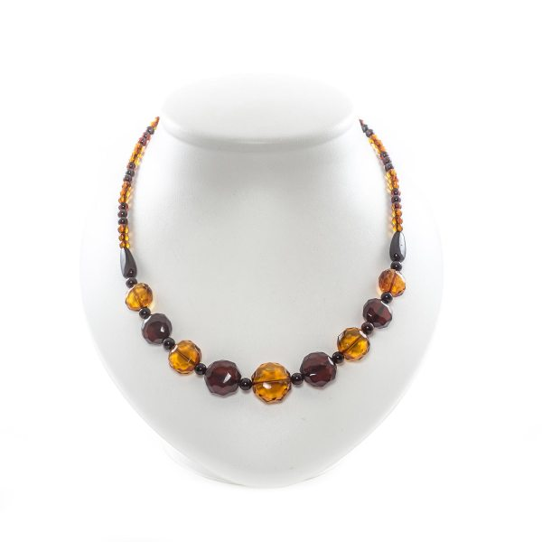 natural-baltic-necklace-with-faceted-beads-polaris