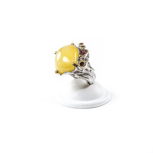 Graceful Silver Ring with Amber and Garnets