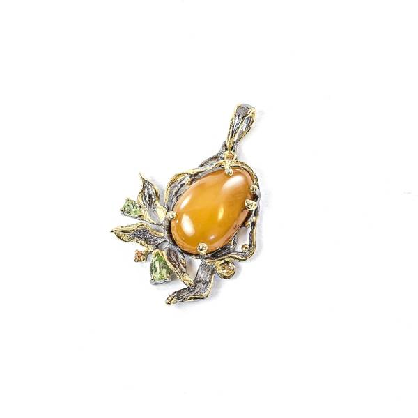 Elegant Pendant with Yellow amber and Citrini