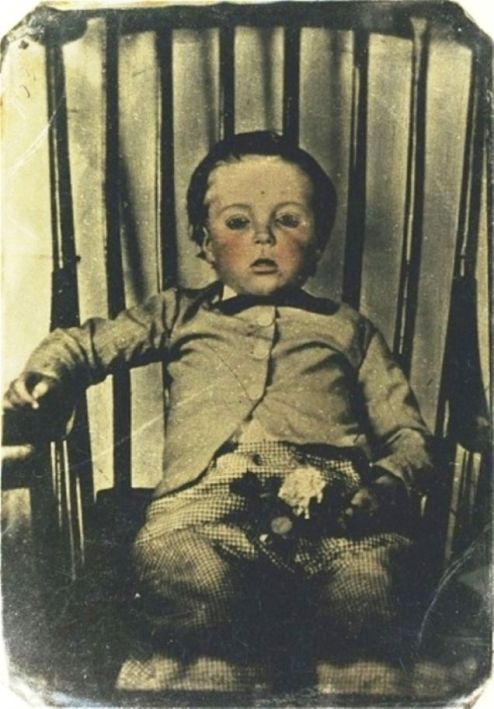 victorian_mourning_little_boy