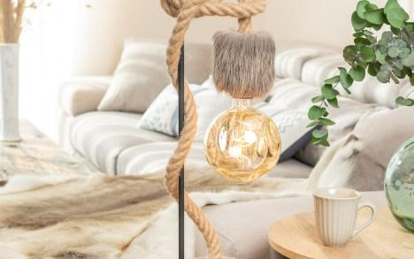 Lampe de table potence métal noir corde jute peau de renne