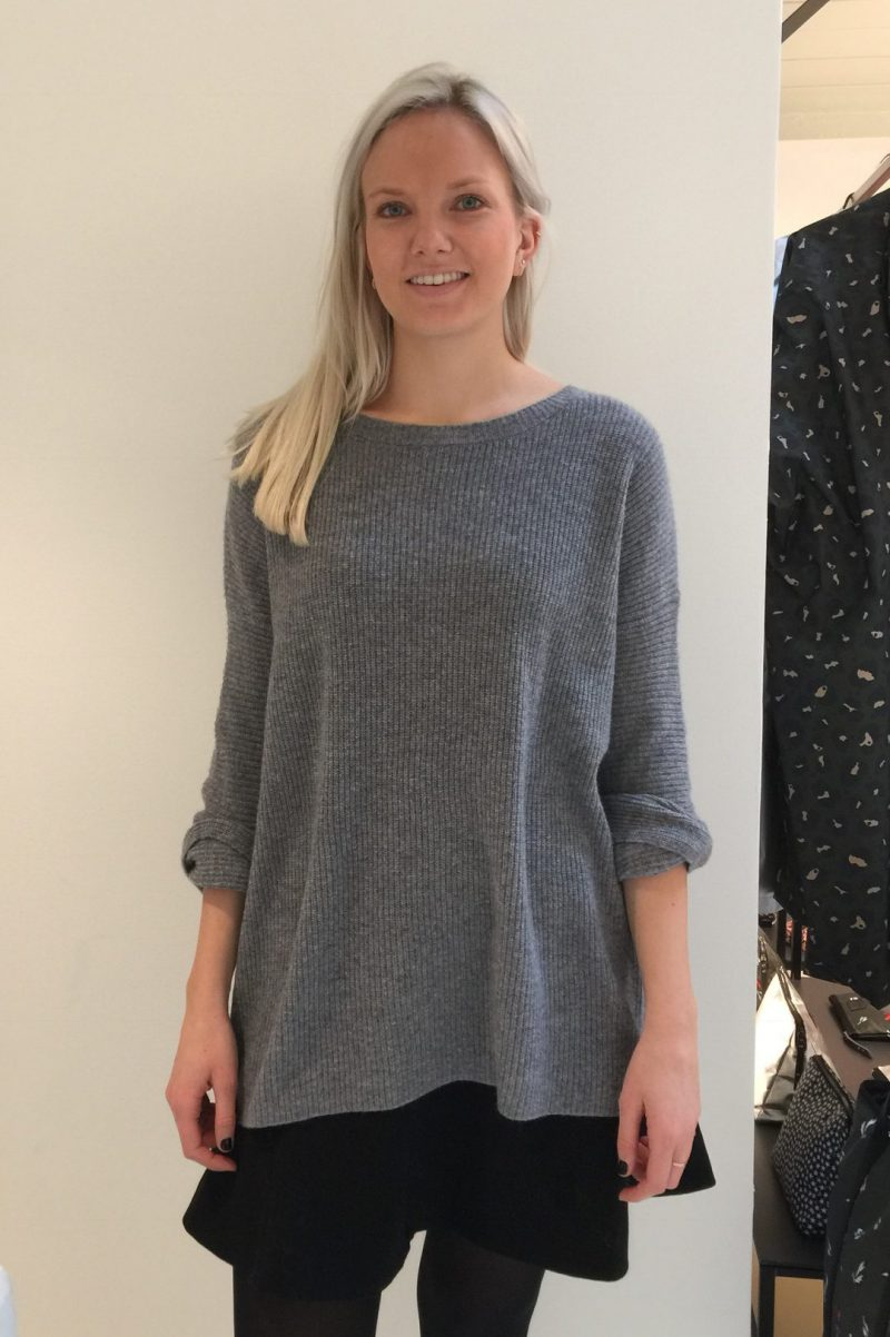 Blå eller sort cashmere ribbet oversized genser Dear Dharma - elsa