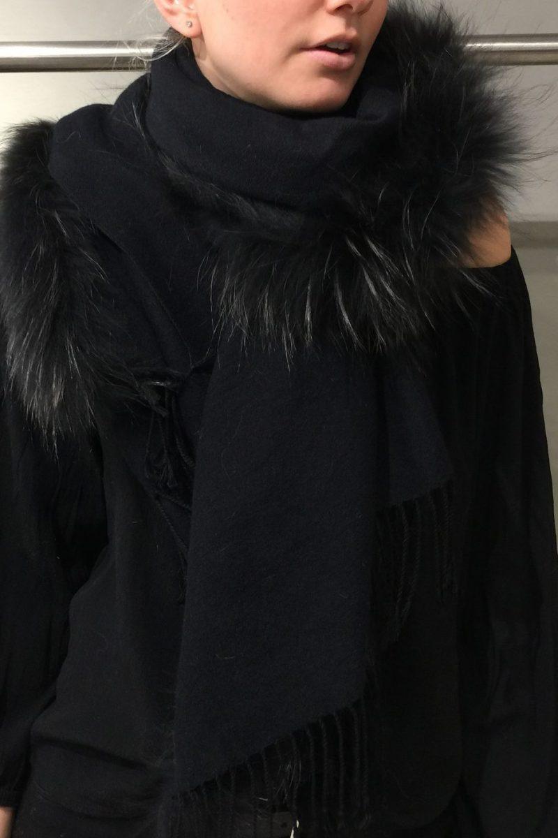 Skjerf med raccoon Flona - scarf