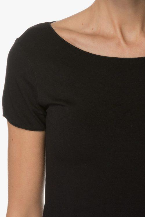 Sort eller hvit viskose t-shirt med boatneck Majestic Filatures - E180102
