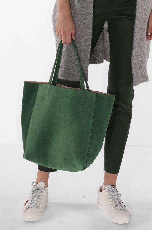 Grønn eller latte (hasselnøtt) semsket shoppingbag Decadent - 152 iris soft tote