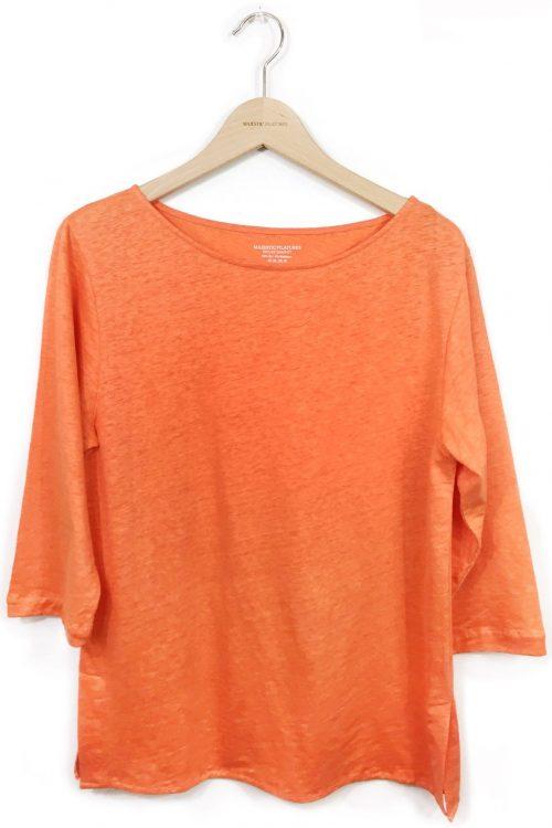 Hvit, orange eller pink lintopp med båthals, 3/4 erm og splitt i siden Majestic Filatures - E181610
