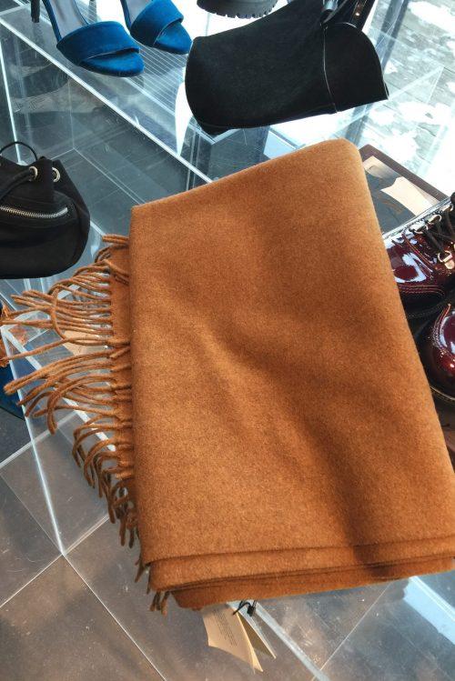 Kanelfarget 100% ullskjerf Gestuz - cross scarf