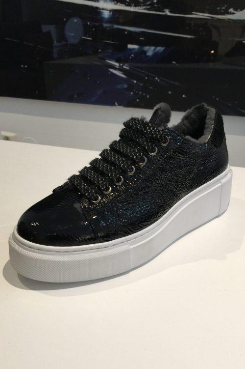 Sort sneakers med krakelert lakk Laura Bellariva - 2100 bm