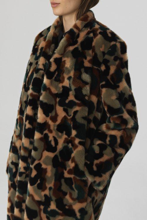 Grønnmønstret faux fur frakk By Malene Birger - CAMULA-COAT Q65701001