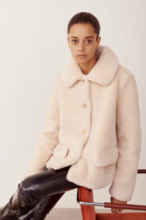 Offwhite 'Noemie smooth teddy' fake shearling kort jakke fra Stand
