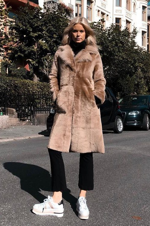 Supertrendy beige 'Holly' shearling lammeskinnskåpe Dear Dharma