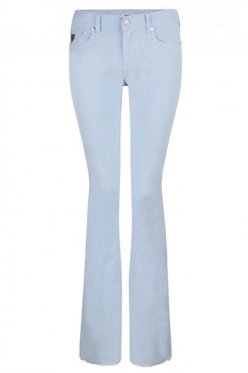 Ecru, rød eller lyseblå microcord flare bukse med råkant. Selges i butikken på CC Vest.  Lois Jeans - 2117-5285 Micro rip - Beverly 14 L32 eller L34